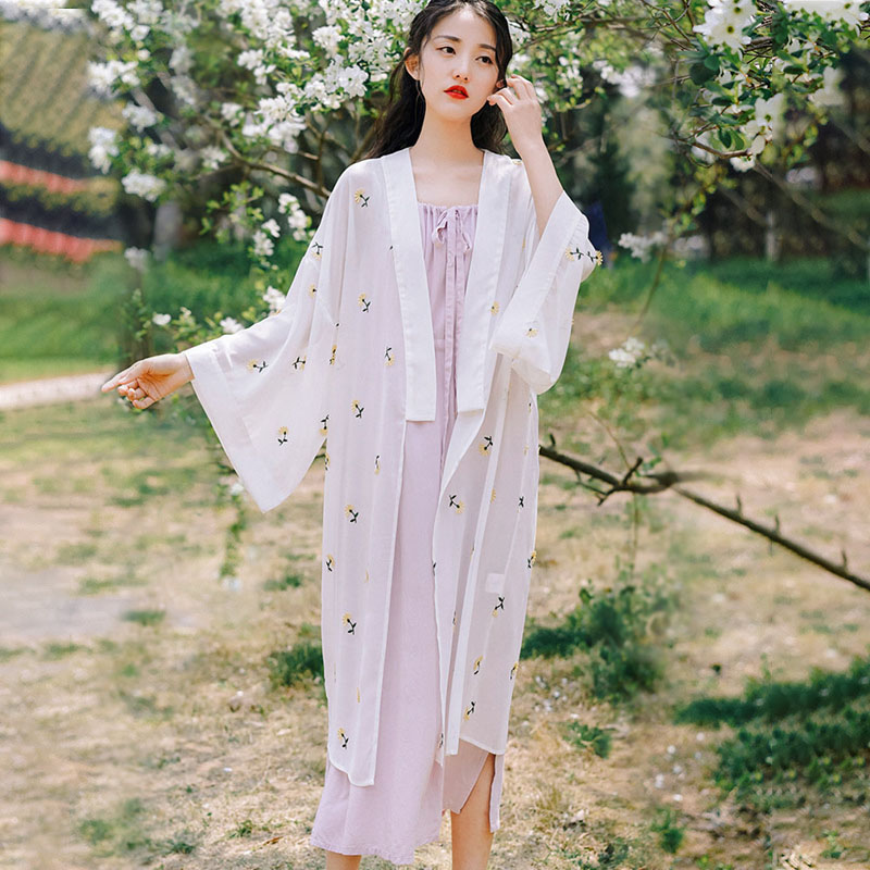 Antique Chiffon womens 2020 summer new medium and long sleeved Han suit cardigan jacket small daisy embroidery sunscreen shirt