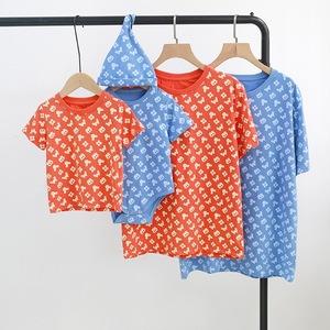 外贸全家亲子男女童装满印米奇字母卡通短袖百日照婴儿爬服棉T恤