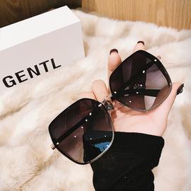 偏光太阳镜女开车驾驶眼镜韩版无框个性加厚挡风金属墨镜防紫外线图片