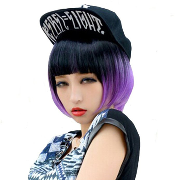 よく売れています。黒紫色のグラデーションウィッグのショートヘアです。女性カラー舞踏会のコスプレウィッグのコスプレコスプレコスプレ衣装の道具です。