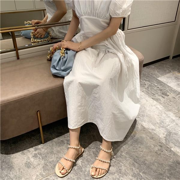 2021夏季清新罗马珍珠一字扣露趾平底凉鞋女气质仙女度假沙滩海边