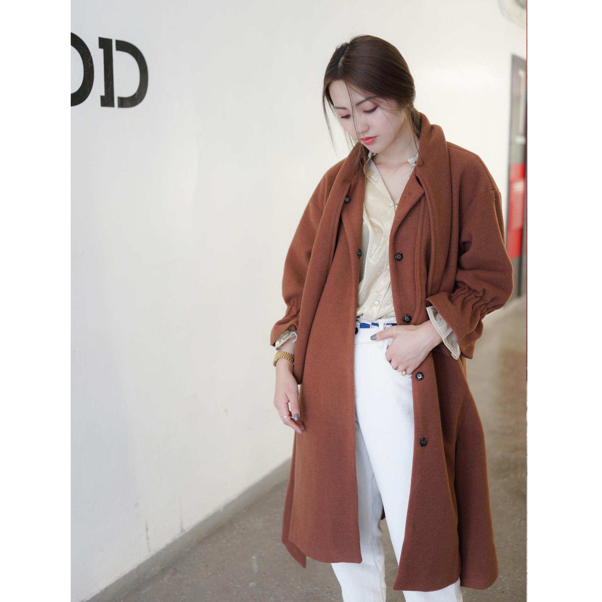 ONE GIRLS/冬季新款重磅推荐复古时髦花苞袖羊毛呢大衣女呢衣外套