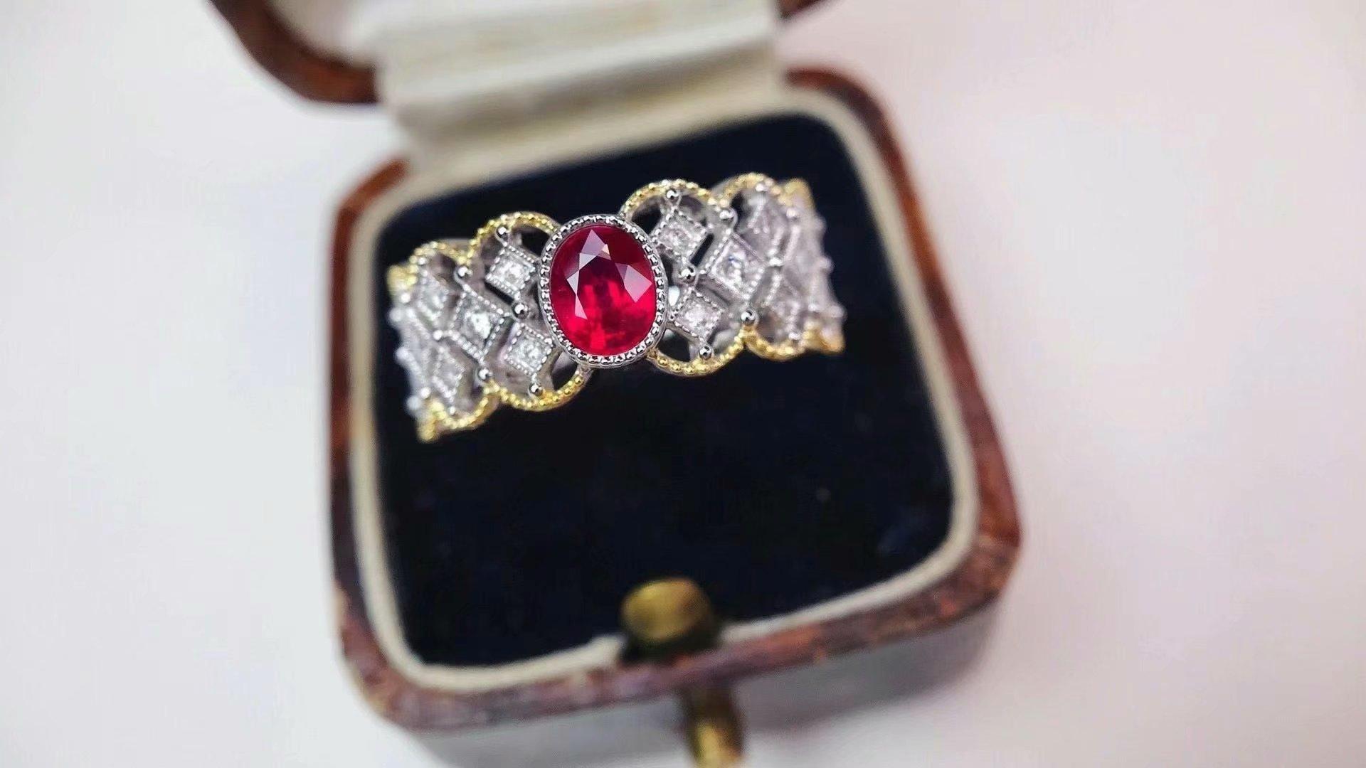 18K白金配进口南非钻石镶嵌女款 0.54克拉天然红宝石戒指真金真钻