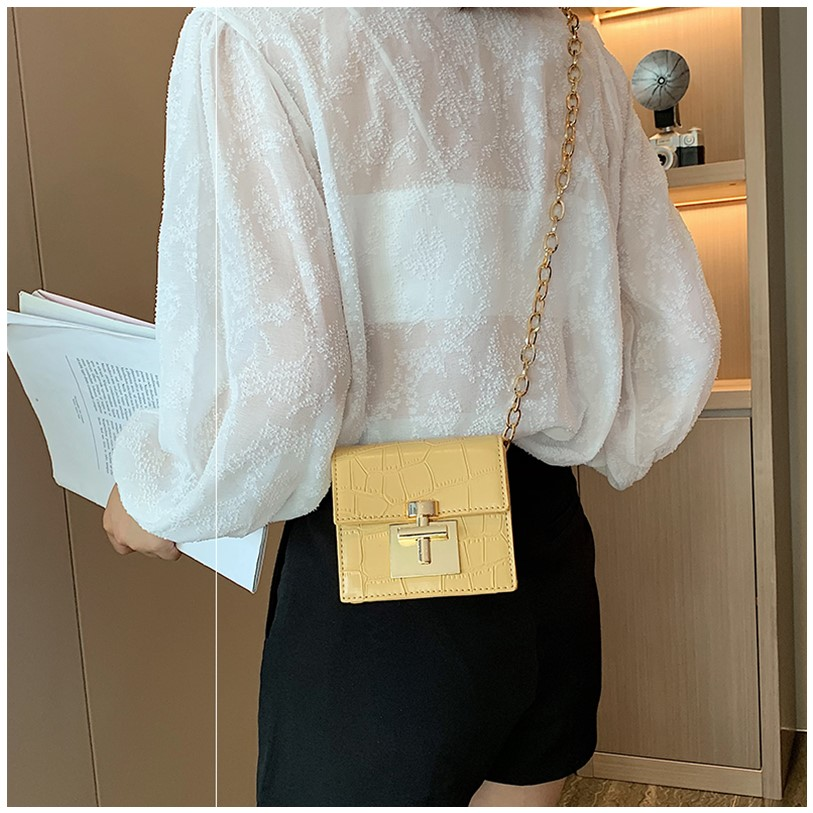 New small bag bag for women 2020 versatile messenger bag for women Mini ins spring and summer single shoulder chain small square bag zero Purse
