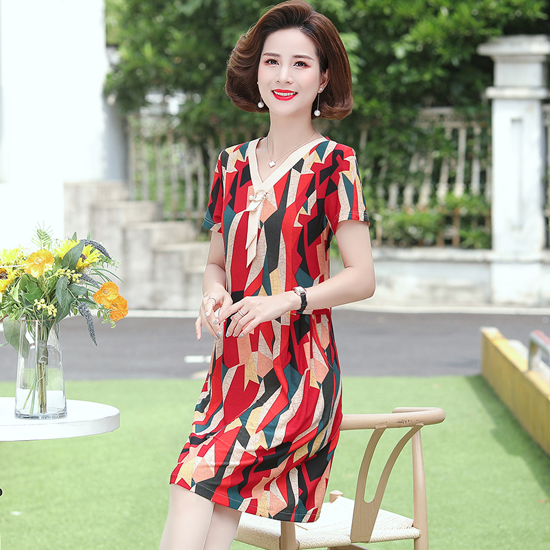 Mothers day to buy more than 40 years old middle-aged woman 50 aunt 60 mother summer wear short sleeve dress.