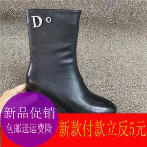 中筒短靴女2019冬季新款水钻铆钉字母装饰时装靴高跟侧拉链女靴子