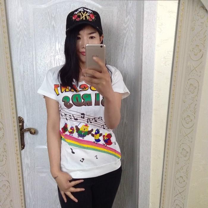 短袖T恤休�e2018夏日�斡』�ROUGH出口修身彩虹�棉修身�A�I女�N布