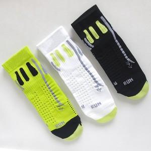 男女新款专业级跑步袜子马拉松越野跑户外骑行压缩运动袜速干中筒