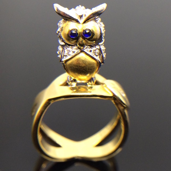 Cute cute sapphire owl diamond ring can be used as tail ring, which is a unique symbol of mysterious and dignified power