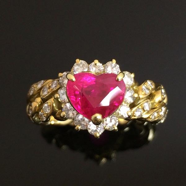 缅甸红宝石钻戒~ 颜色非常靓丽,手表带的设计 ,美美哒