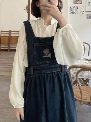 Foamchic 刺绣小花学院风深蓝色牛仔背带裙女春夏小个子连衣裙