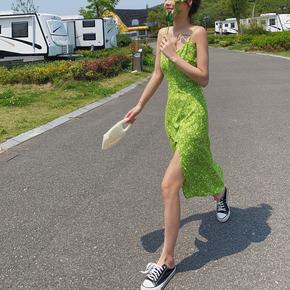 2020夏渡假法式复古仙女绿色碎花高腰吊带开叉长裙雪纺连衣裙