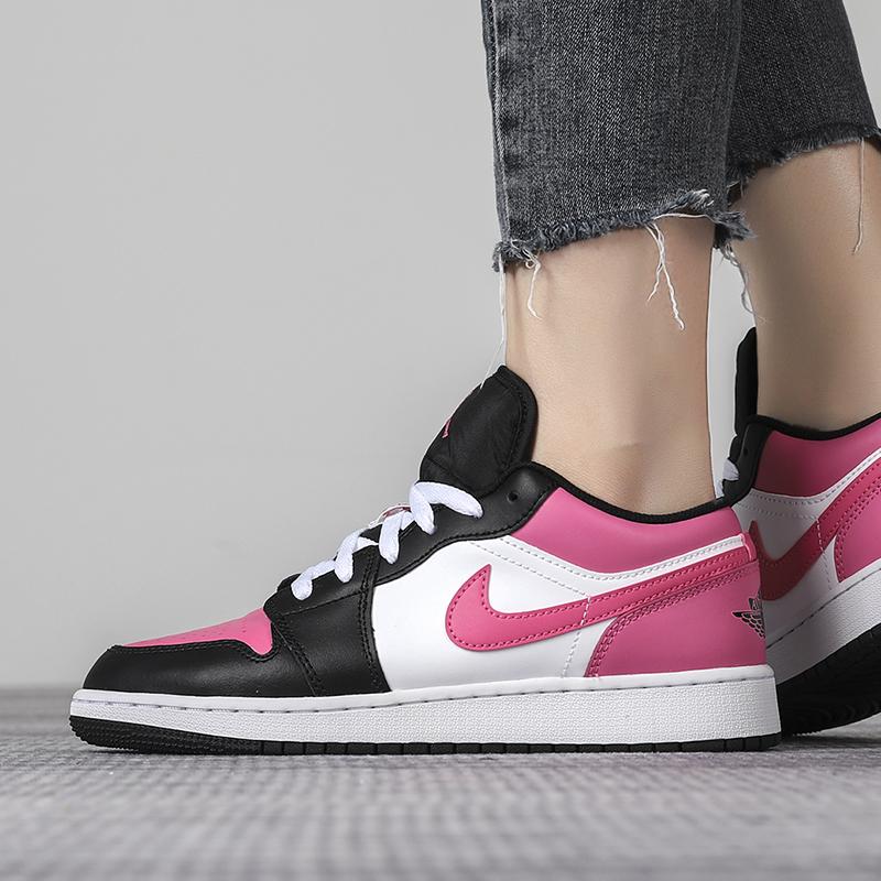 耐克女鞋Air Jordan 1 Mid AJ1 樱花粉低帮运动篮球鞋554723-106