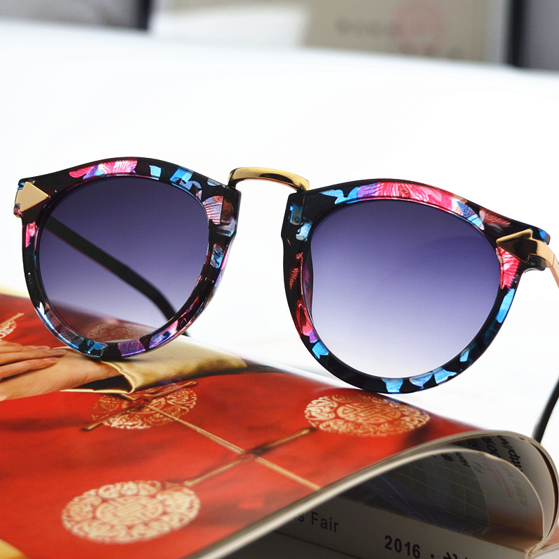 2020 new retro floral glass fashion lace large frame womens polarized driving Sunglasses trendsetter Sunglasses
