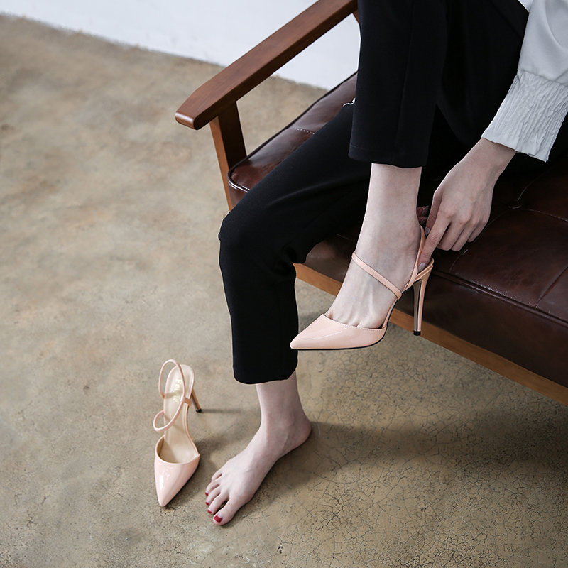 Spring and summer 2018 new Korean shallow mouth pointed Baotou sexy back space simple thin strap high heel nude womens single sandals