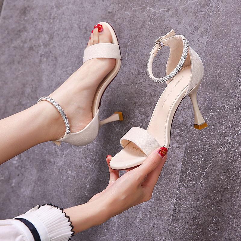 2021新款8CM 一字扣带水钻露趾浅口高跟凉鞋简约百搭细跟仙女风米