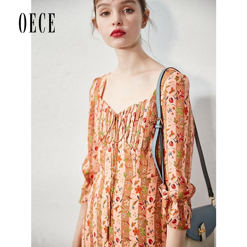 券后239.00元Oece2019秋装新款女装 复古小碎花裙子修身高腰喇叭袖修身连衣裙