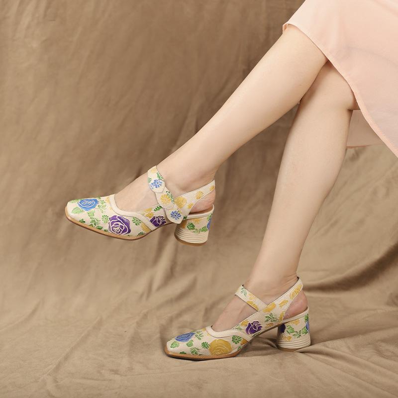 相伴夏新款女凉鞋民族风复古风女凉鞋高跟鞋彩绘鞋特色真皮个性潮