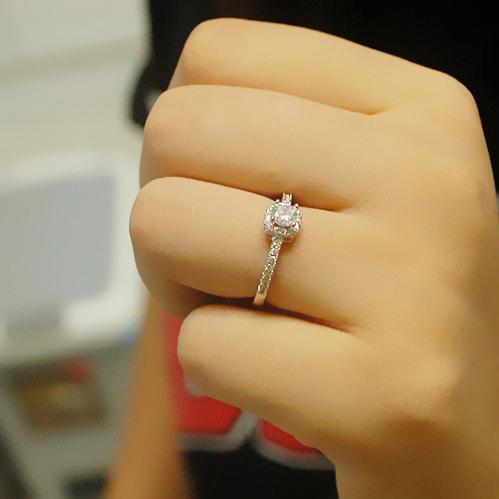 超闪结婚仿真钻戒女款求订婚四爪日韩版潮戒指七夕节情人礼物戒指正品保证