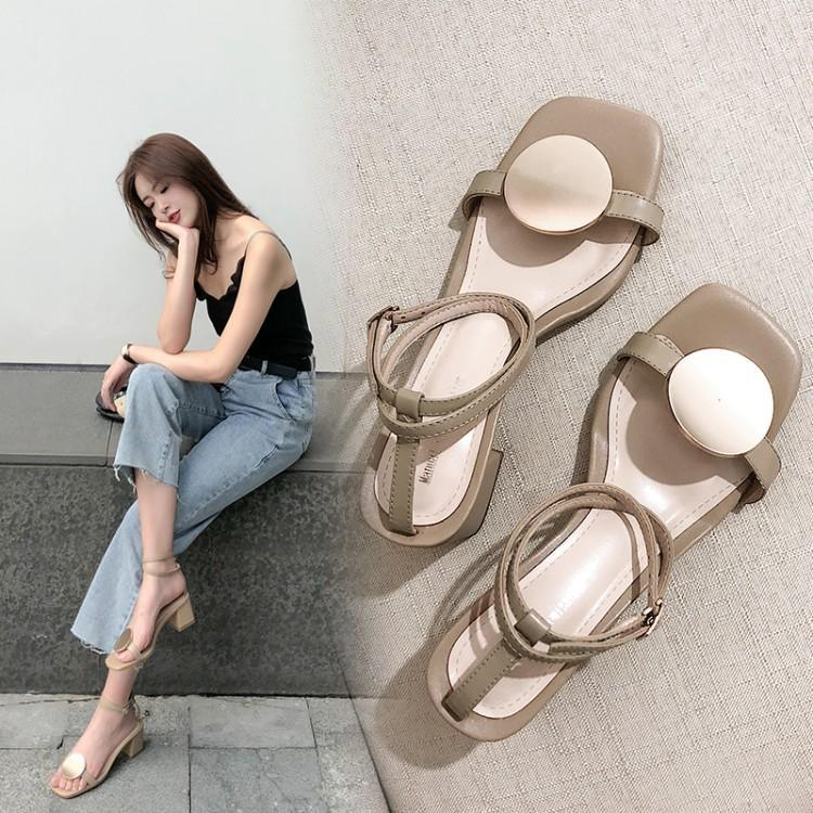 Womens shoes spring and summer 2020 new ankle buckle design middle heel sandals round buckle very simple wind exposed toe sandals leather