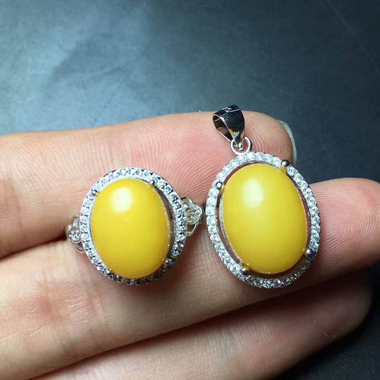 Jewelry set 925 Sterling Silver 18K gold inlaid with natural chicken oil yellow amber beeswax ring original stone female Earrings Pendant