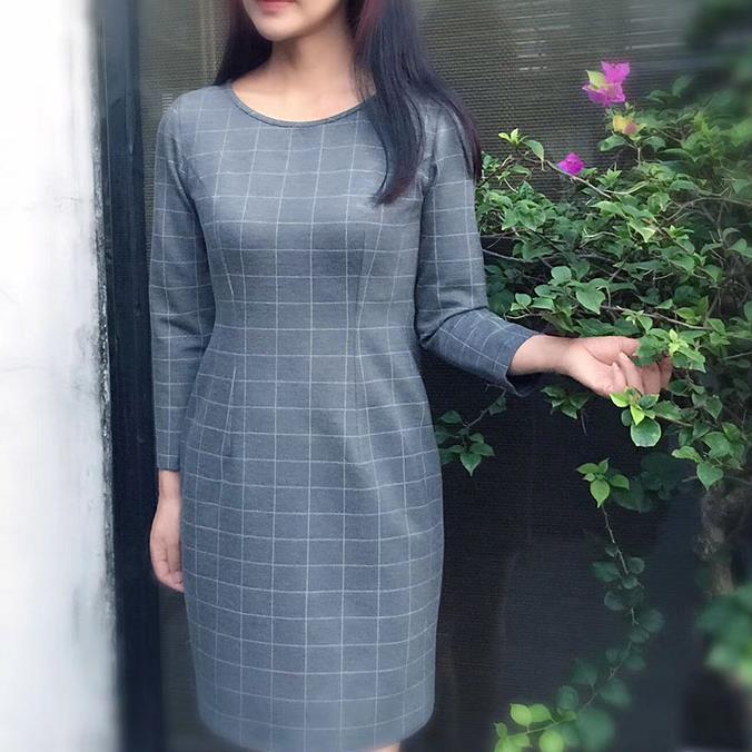 In turn, 17-097-1 confused the original 2017 womens autumn new quarter sleeve retro grey Plaid Dress