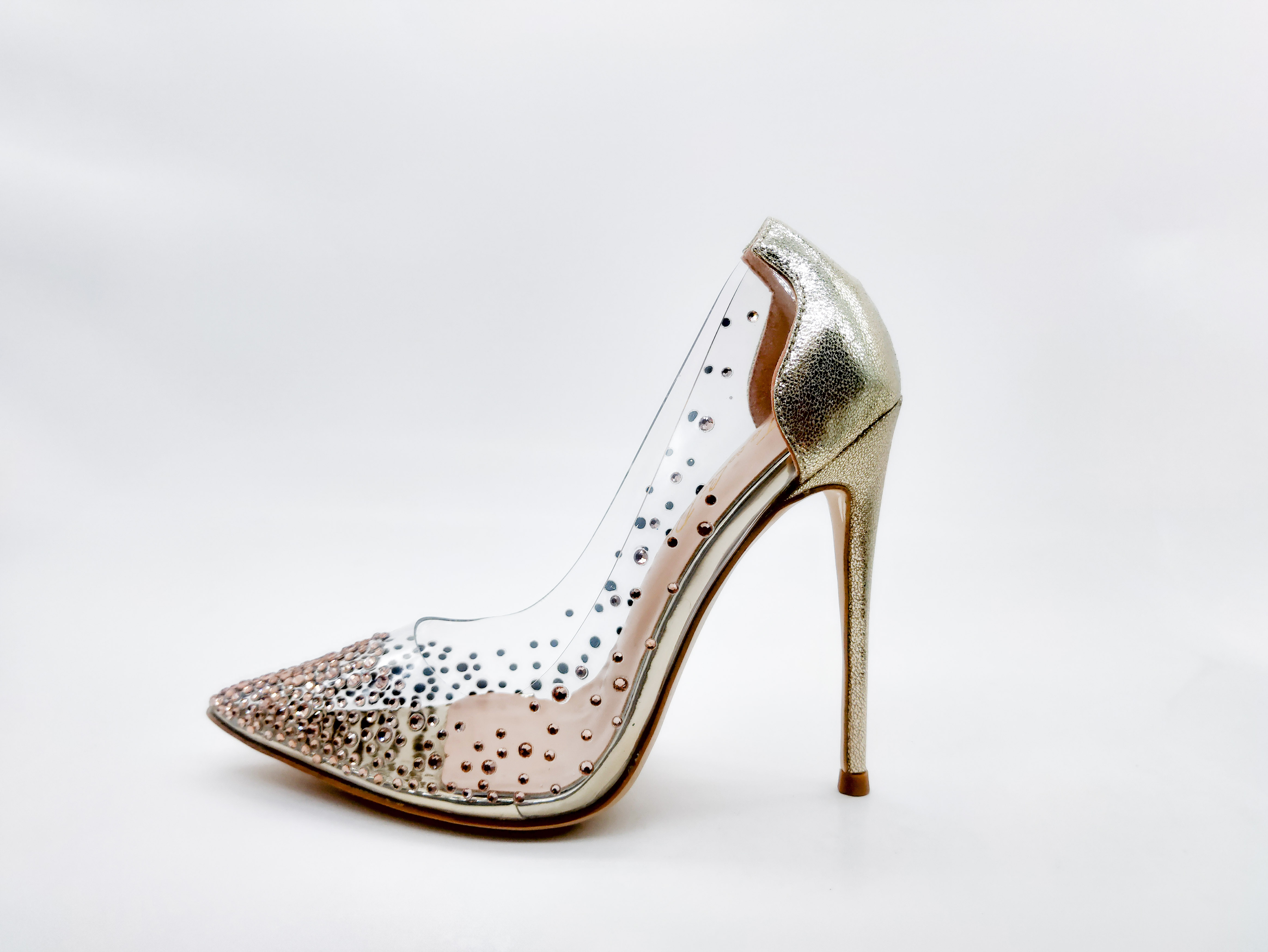 2020 new fairy shoes, single crystal shoes, transparent crystal shoes, net red shoes, tiktok, super high heels, and wedding shoes.