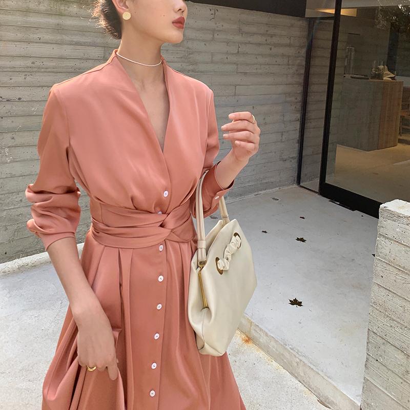 满278.00元可用1元优惠券wangxo设计感小众中长款小红裙子