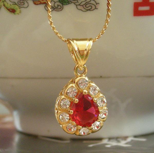 水钻红宝石吊坠靓肤百搭大方绿宝石18K黄金镀项链坠子婚庆女饰品