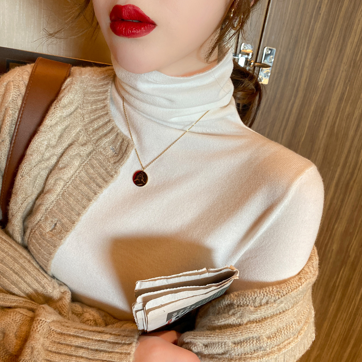 秋冬高领毛衣女新款韩版黑色堆堆领针织衫修身白色内搭洋气打底衫图片