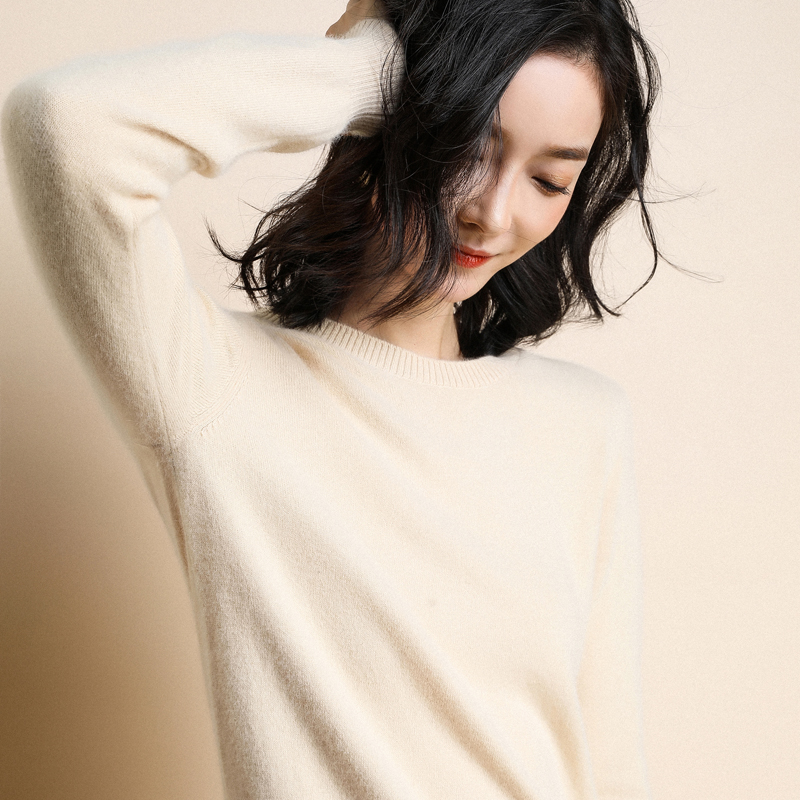 Womens T-neck sweater loose Korean sweater womens slim fit and versatile bottoming shirt