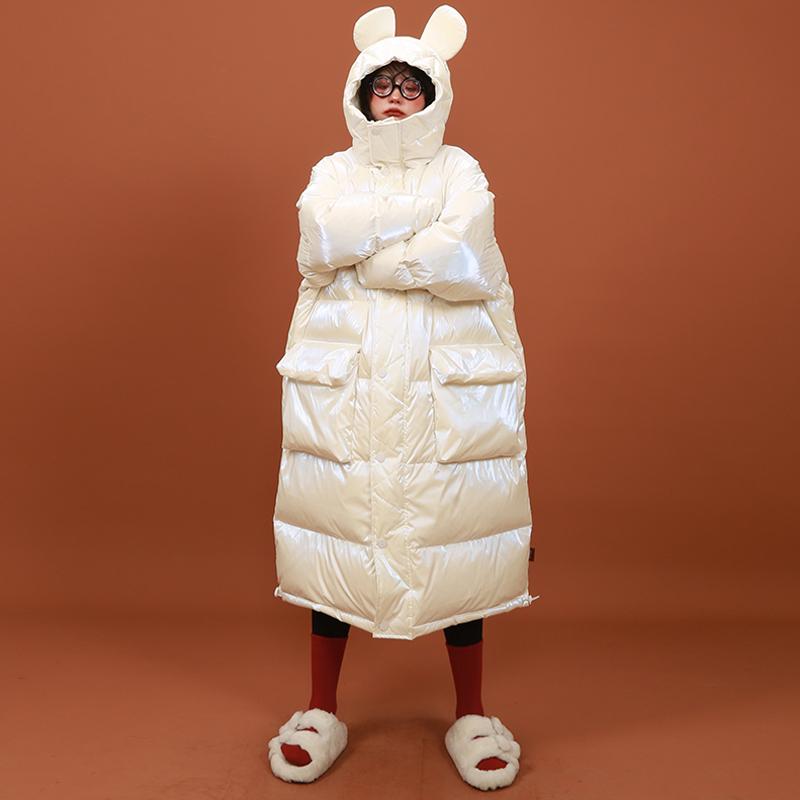 嬉游记原创纯色亮面羽绒服女中长款可爱小老鼠耳朵连帽白鸭绒外套