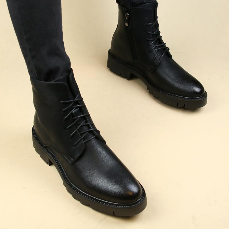 秋冬の暖かくて鋭い韓国版のショートブーツは靴の男性の英倫のカジュアルな男性の機関車の靴の厚い底のマーティンの靴の潮流を手伝います。