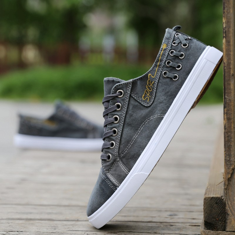 Spring and summer new denim canvas shoes mens low top board shoes sports casual shoes deodorant cloth shoes mens shoes soft soled shoes