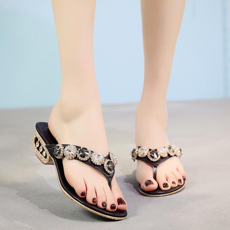 2020 summer new leather Rhinestone middle heel anti slip herringbone slipper clip foot with diamond band drill for versatile womens sandals