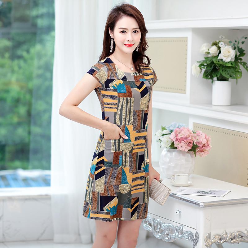夏季中老年女装35-40-50岁修身中长款印花弹力大码妈妈装连衣裙