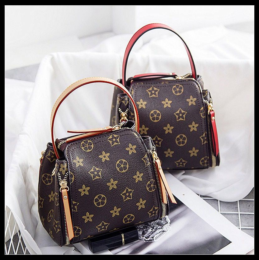 2017 new tide fashion bag all-match Small Bag Satchel Bag fe