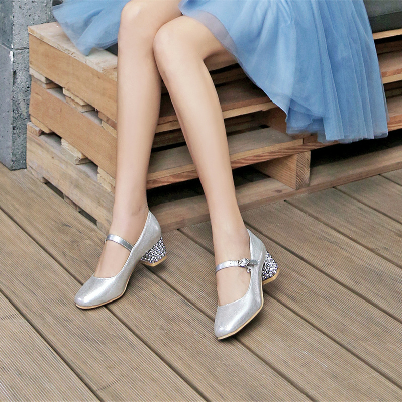 2020 childrens high-heeled shoes piano performance shoes girl little host evening dress shoes middle heel girl Princess leather shoes