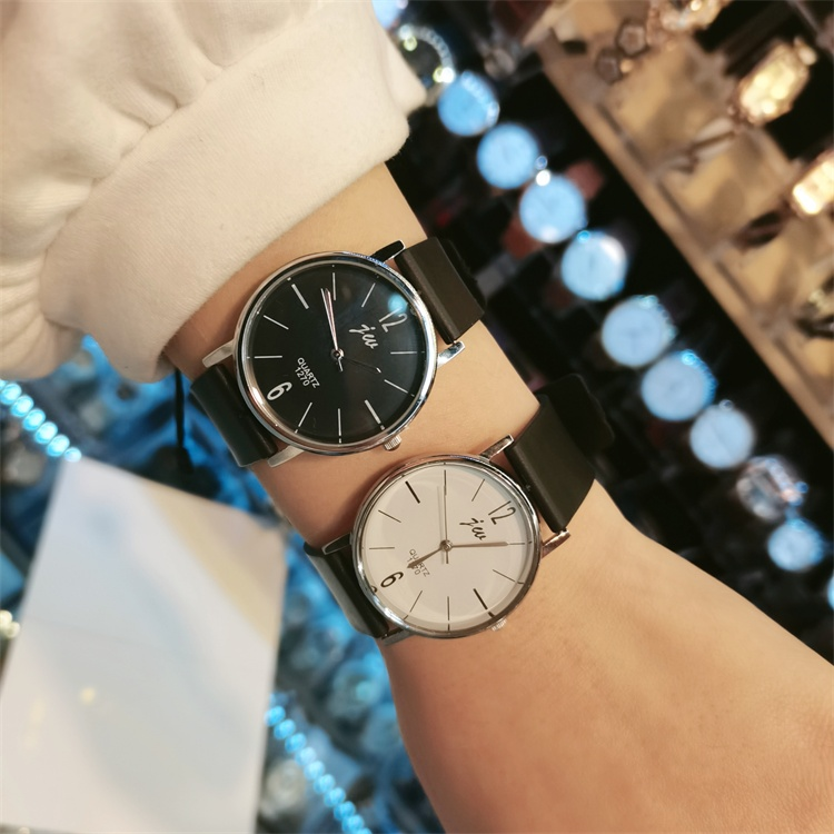 Dress you ~ 2020 new couple simple personality big digital rubber strap big dial fashion watch