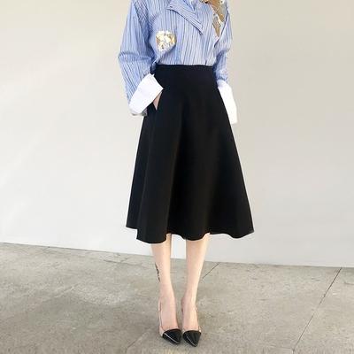 口袋伞裙赫本风显瘦A字中长2020春秋款高腰小黑裙气质大摆半身裙