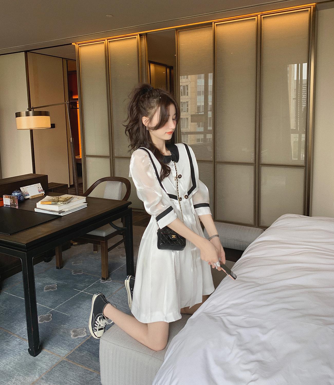 白色缎面法式连衣裙女2020春新款韩版短袖娃娃领气质裙子学院风图片