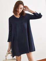 2020春装新款 断码品牌折扣宽松大码廓形优雅荷叶袖V领显瘦连衣裙