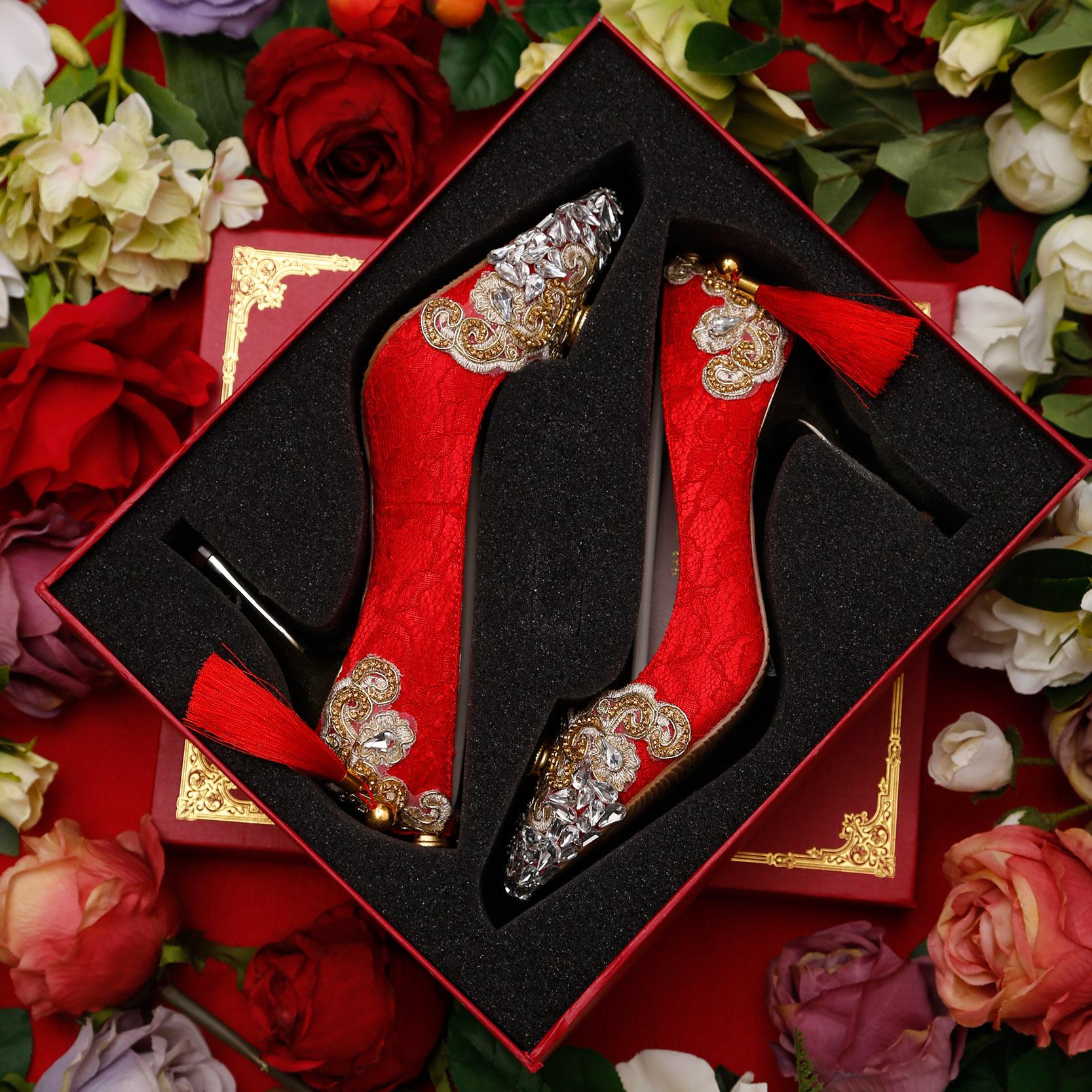 热销391件假一赔十红色高跟鞋细跟蕾丝尖头婚鞋金色水钻敬酒礼服女单鞋秀禾新娘鞋