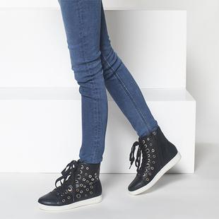 1515605024达芙妮专柜正品女靴冬款新款靴子系带平底高帮短靴单靴