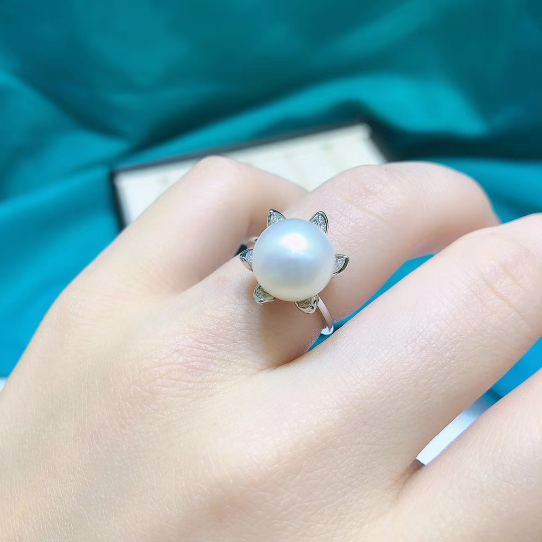 S925 silver bud petal ring with natural freshwater pearl 10-11mm