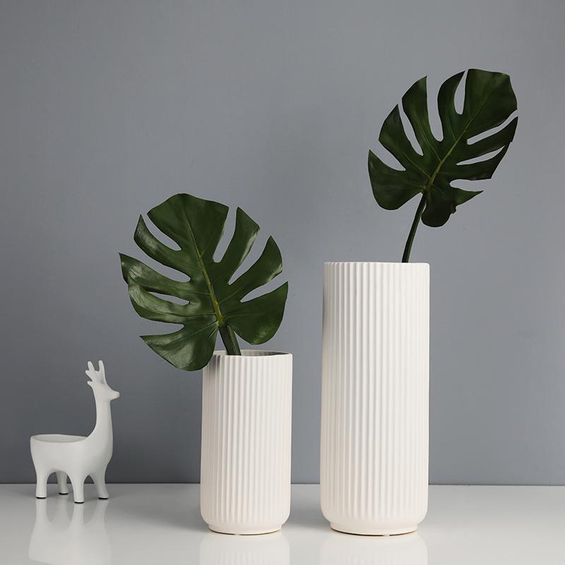 有虞家居洋式简约白縦纹陶磁器花瓶创意居間生け花干花器装飾品摆布