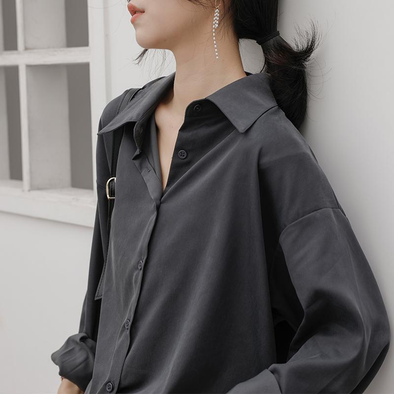 冷淡风垂感灰色衬衫女设计感小众宽松复古港味百搭长袖叠穿黑衬衣