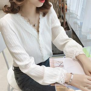 雪纺衬衫女2020新款春季韩版V领上衣长袖洋气设计感小众白色衬衣