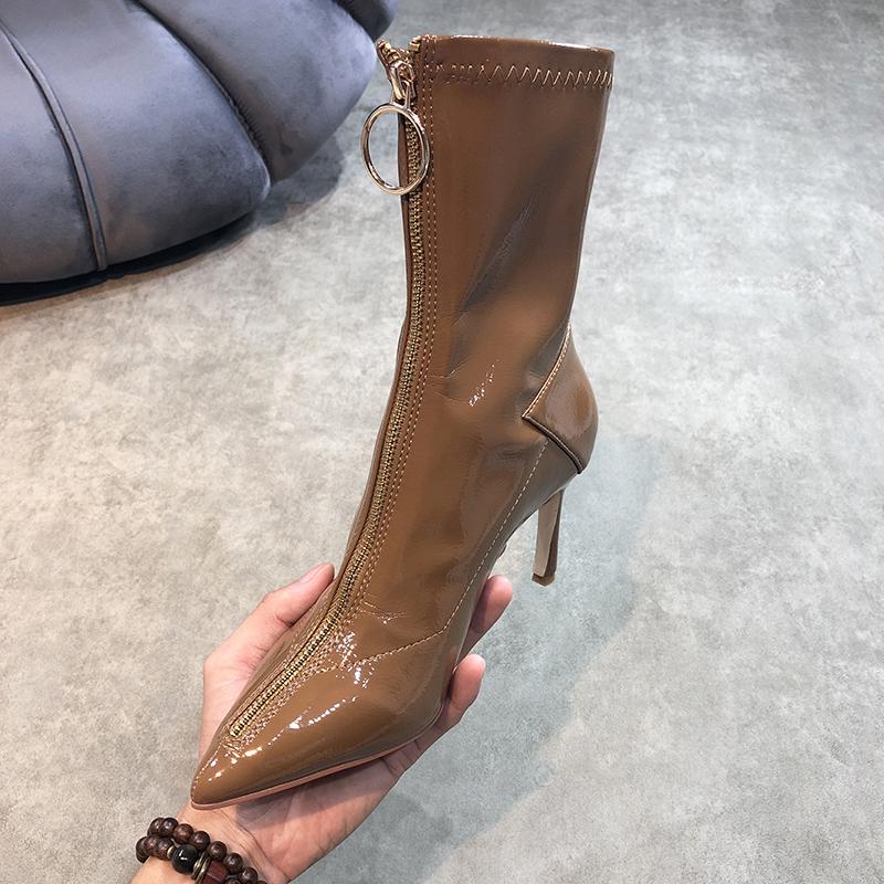 2019新款秋冬季黑色漆皮前拉链尖头细跟女弹力骑士靴中筒高跟短靴