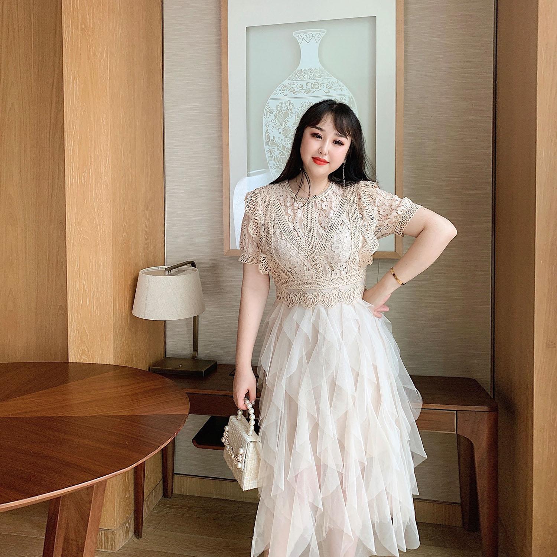 GLEC大码女装夏装2020新款镂空水溶花收腰网纱遮肚子显瘦连衣裙图片